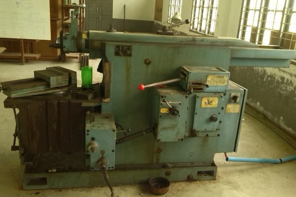 workshop-techanical-department's-machines-photos8256BAA22-A9C3-08ED-8EC2-1C9E9E73BD51.jpg